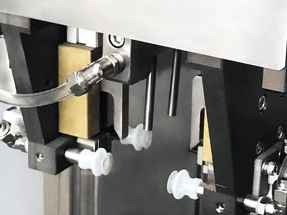 Zipper opening device